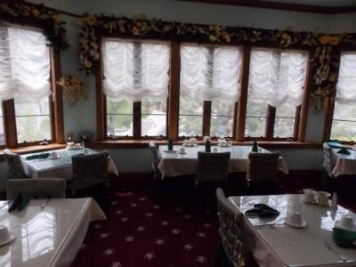 The Queen's Parlour Tearoom