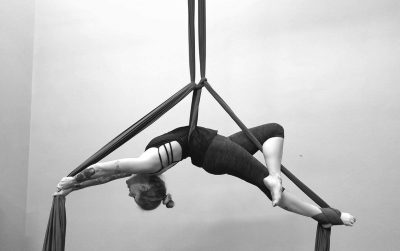 primary-Aerial-Silks-Intro-Class-1487959398