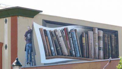 Poor Richard's - Books