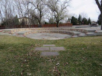 Broadmoor Elementary School: Herzog Memorial Amphi...