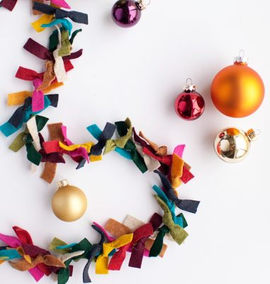 Parent and Me: Holiday Garland Making