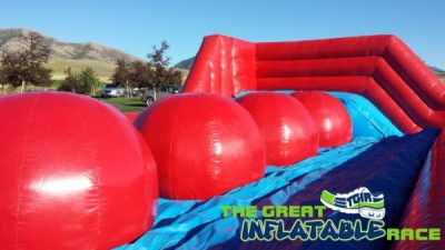 fb_friendly-branded_inflatable2