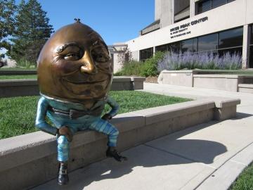 H.D. (Humpty Dumpty)