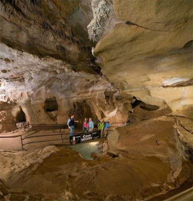 Cave of the Winds located in Manitou Springs CO