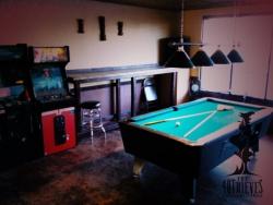 40 Thieves Hookah Lounge